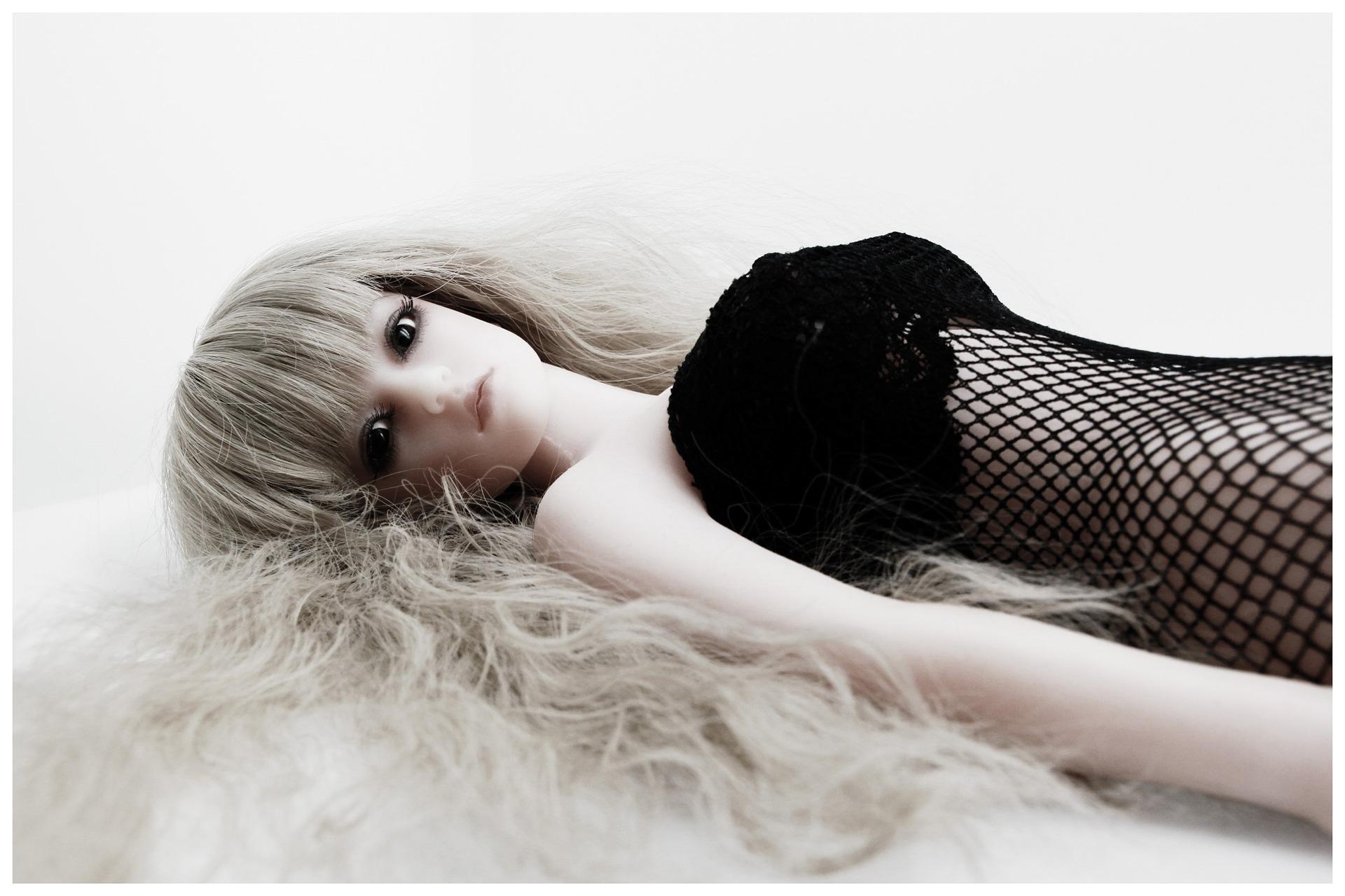 doll-1265891_1920